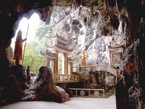 Kỳ bí những động chùa trên núi đá Hoa Lư - 6