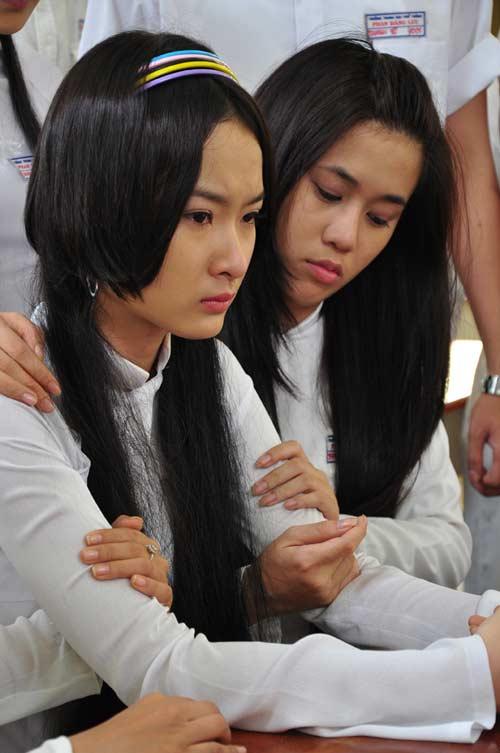 """Angela Phương Trinh suýt """"tự tử"""" - 3"""