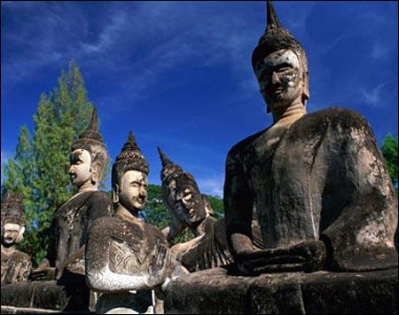 Sang Lào, tới thăm công viên tượng Phật - 4