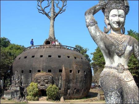 Sang Lào, tới thăm công viên tượng Phật - 6
