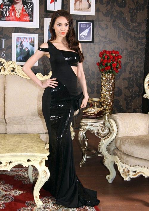 20 bộ váy gây xao xuyến của Hồ Ngọc Hà - 13