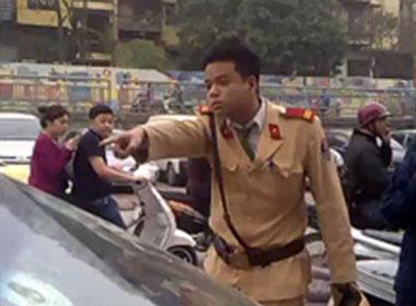 Cảnh sát giao thông chửi dân - 2