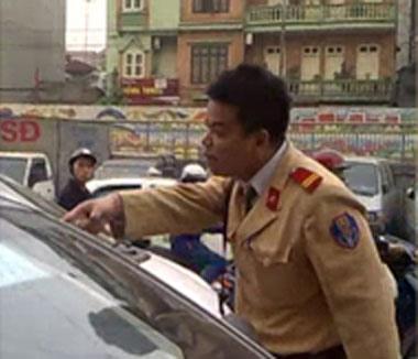 Cảnh sát giao thông chửi dân - 3