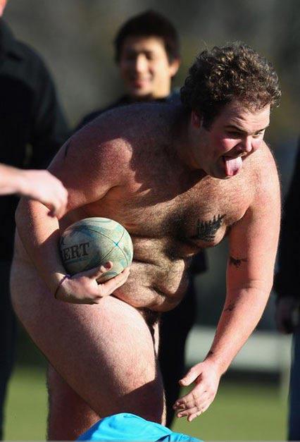 Nam nữ nude tập thể chơi bóng bầu dục - 2