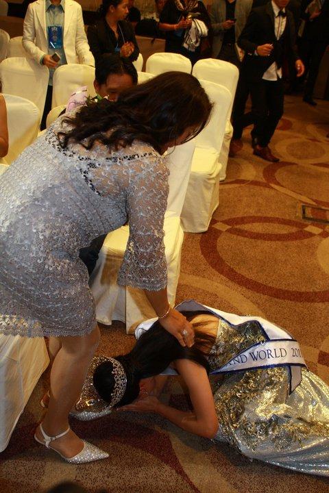 Lộ diện nhan sắc tân Hoa hậu Thái Lan - 8