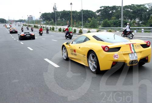 Đoàn siêu xe triệu đô diễu phố Sài Thành - 4