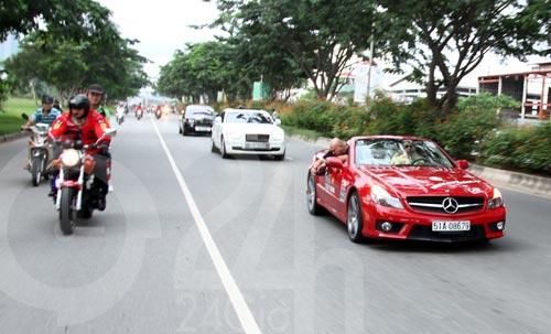 Đoàn siêu xe triệu đô diễu phố Sài Thành - 9