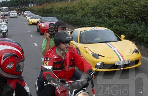 Đoàn siêu xe triệu đô diễu phố Sài Thành - 1