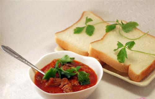 Đổi món với bò sốt vang mềm thơm - 8