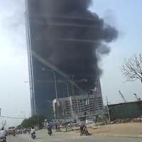 Cháy dữ dội ở tòa nhà Keangnam