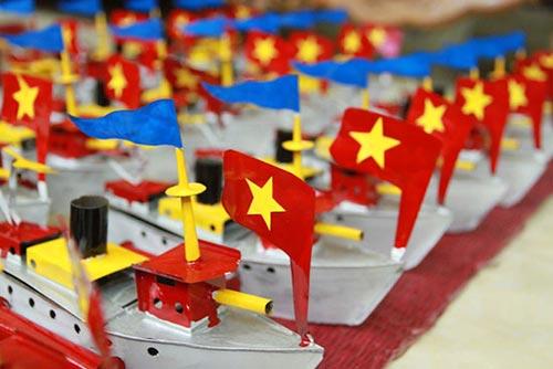 """Tàu thủy đồ chơi """"công nghệ"""" Việt xuất ngoại - 13"""