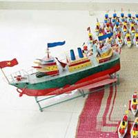 """Tàu thủy đồ chơi """"công nghệ"""" Việt xuất ngoại"""