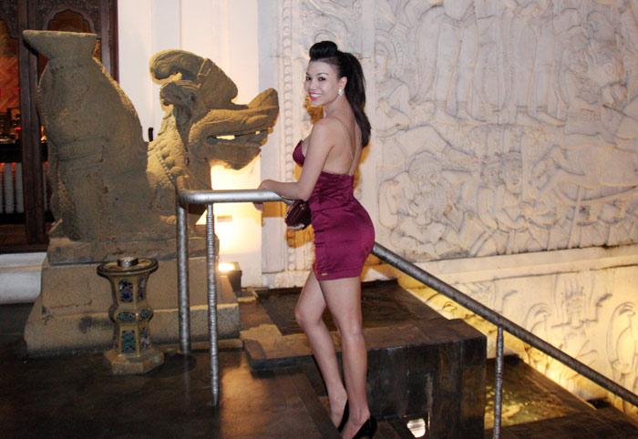 Trà Ngọc Hằng sexy dự tiệc Ngọc Trinh - 1