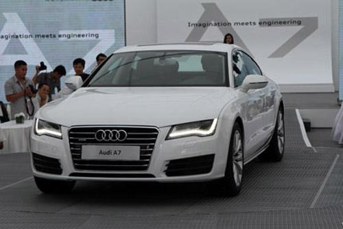 Hoa hậu Ngô Phương Lan chơi Audi A7, giá hơn 3 tỷ đồng - 2