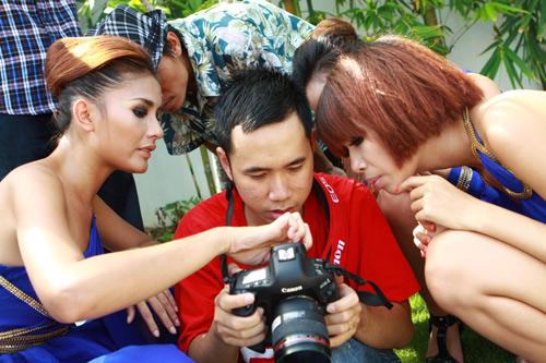 Mẫu Việt bên siêu xe của Cường Đôla - 10