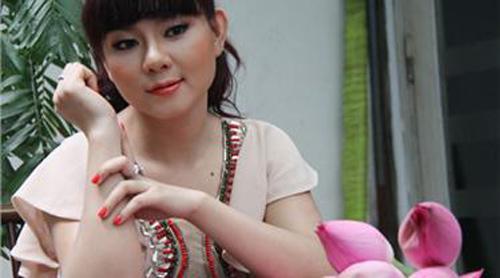 10 hotgirl hấp dẫn nhất của cầu thủ Việt - 9