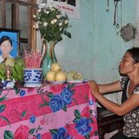 Đại tang 6 nữ sinh chết đuối khi hái hoa