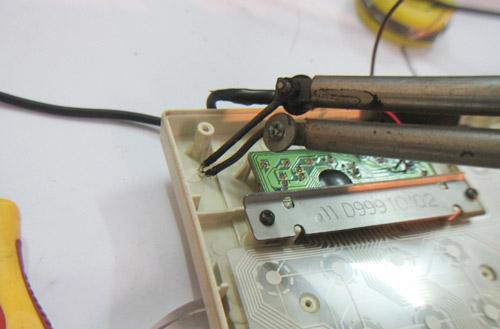 Cách chế đèn cho bàn phím để dùng ban đêm - 13