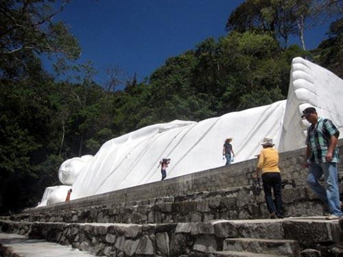 Những pho tượng lớn nhất Việt Nam - 1