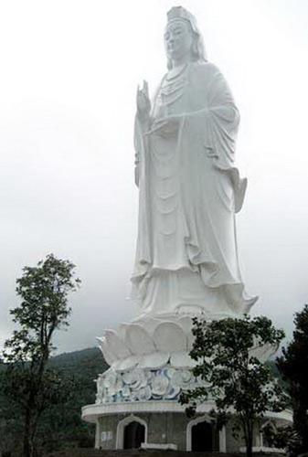 Những pho tượng lớn nhất Việt Nam - 4