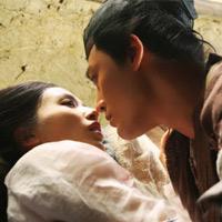 """Lâm Phong """"vụng trộm"""" với Huỳnh Thánh Y"""