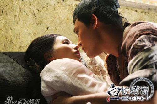 """Lâm Phong """"vụng trộm"""" với Huỳnh Thánh Y - 4"""