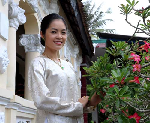 Dương Cẩm Lynh đẹp mặn mòi - 7