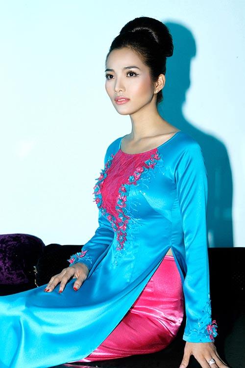 Hoàng Yến yểu điệu cùng áo dài ren - 11