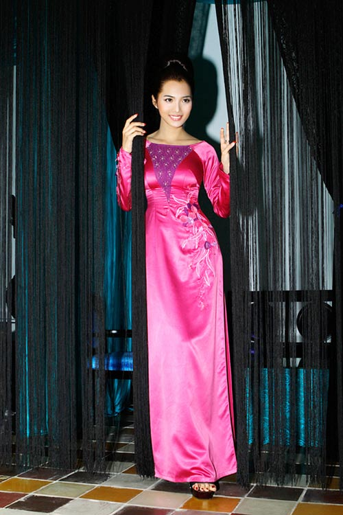 Hoàng Yến yểu điệu cùng áo dài ren - 16