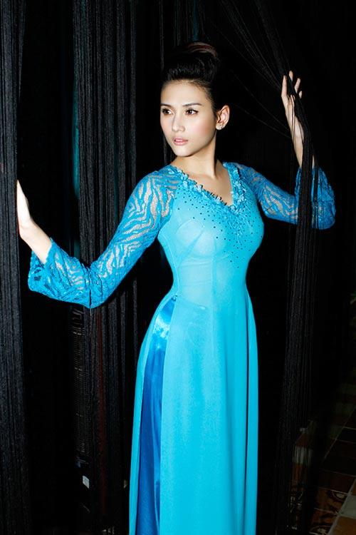 Hoàng Yến yểu điệu cùng áo dài ren - 2