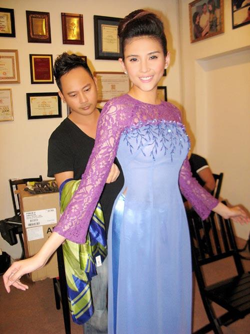 Hoàng Yến yểu điệu cùng áo dài ren - 19