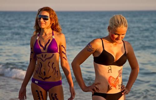 Thi vẽ tranh trên cơ thể mẫu bikini - 10