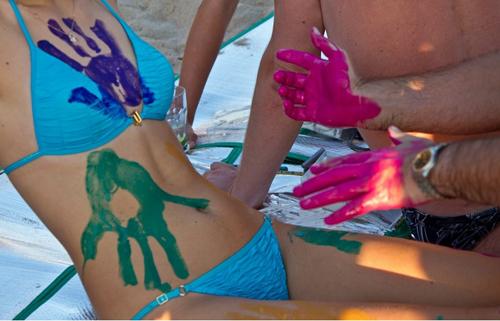 Thi vẽ tranh trên cơ thể mẫu bikini - 9