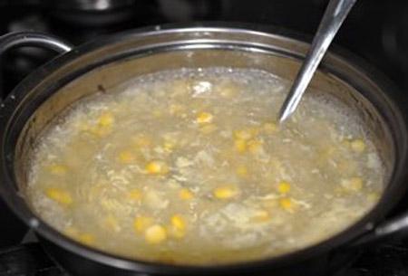 Nóng hổi súp bắp cua - 3