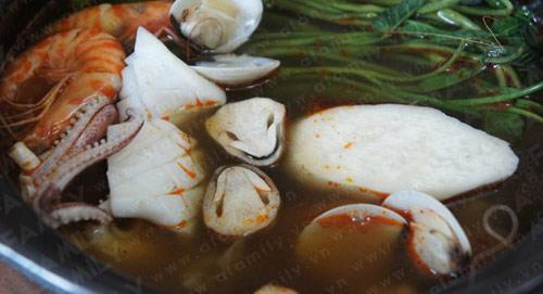 Mát trời ăn lẩu hải sản kiểu Thái - 11