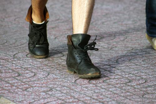 Ngắm giày, dép trên phố Sài Gòn - 15