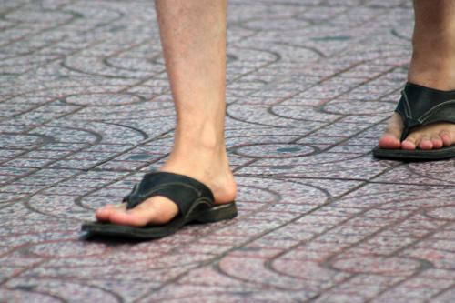 Ngắm giày, dép trên phố Sài Gòn - 18