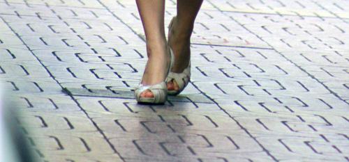 Ngắm giày, dép trên phố Sài Gòn - 7