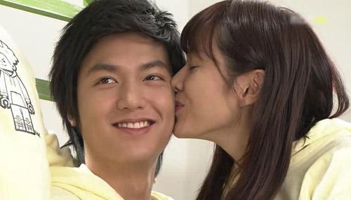 Video phim: Son Ye Jin 'vụng trộm' Lee Min Ho - 4