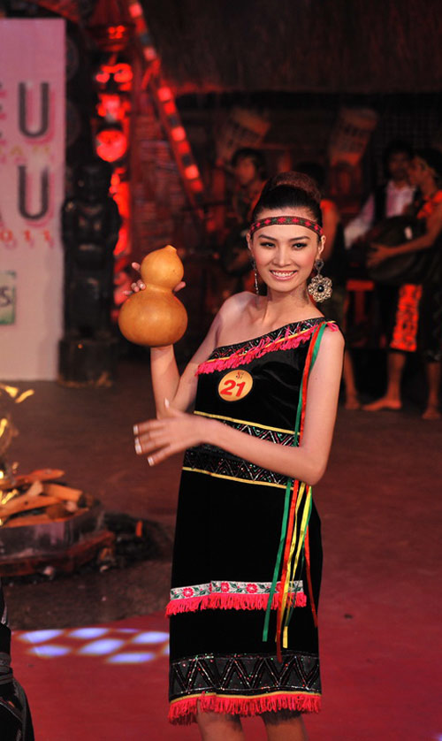 Ngọc Oanh hóa cô gái Tây Nguyên - 2