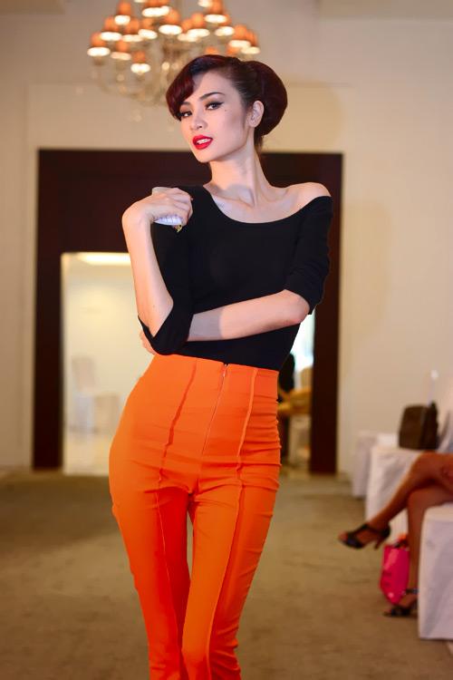 Mặc đẹp như người mẫu với quần lưng cao - 4