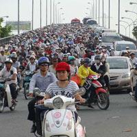 Cấm xe máy: Cần lộ trình thích hợp
