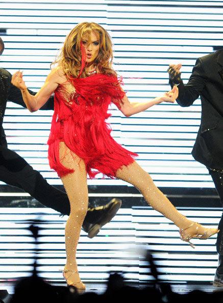 """Jennifer Lopez """"lộ"""" vòng 3 vì váy ngắn - 3"""