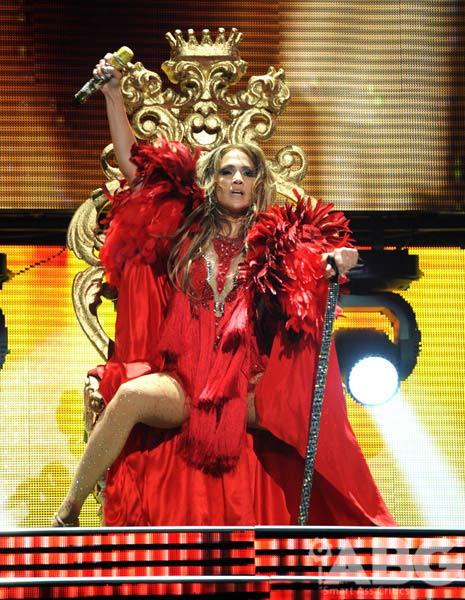 """Jennifer Lopez """"lộ"""" vòng 3 vì váy ngắn - 6"""