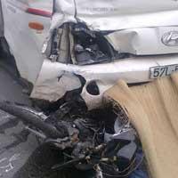Xe tải đâm xe máy chở 4, hai người chết thảm