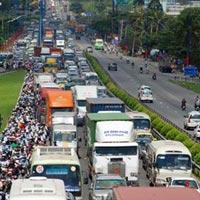 Việt Nam siết tiêu chuẩn khí thải ô tô, xe máy