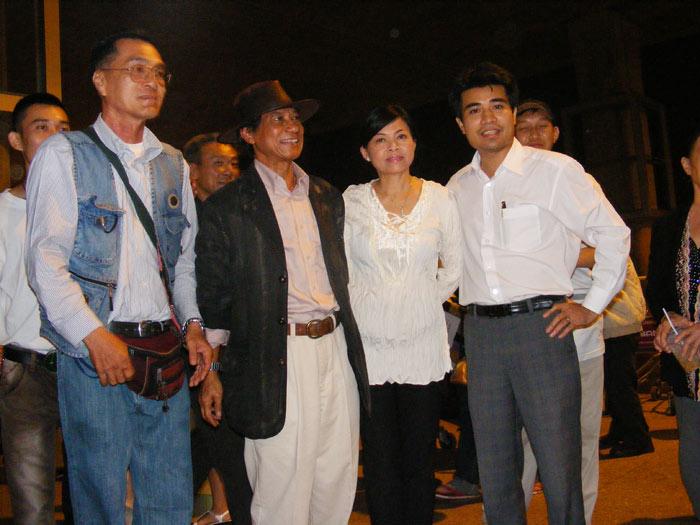 Chế Linh đưa vợ thứ tư về Việt Nam - 8