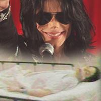 Lộ ảnh hấp hối gây sốc của Michael Jackson
