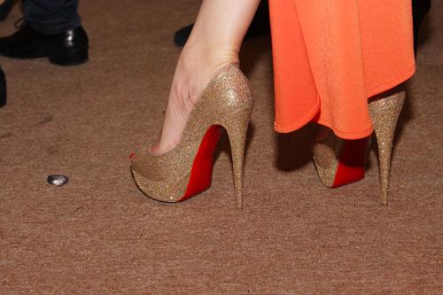 Những đôi giày chói lóa của Sao Việt - 4