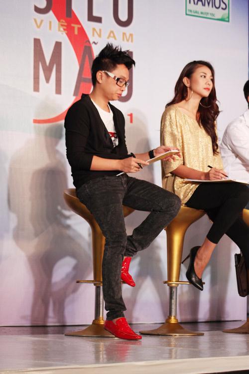 Những đôi giày chói lóa của Sao Việt - 14